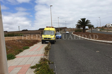 Accidente de motocross junto al vial costero
